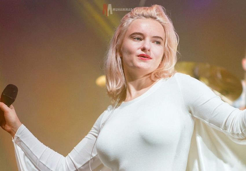 Clean Bandit Live in Concert 2015. at skeno Hall. CleanBandit Music Girl Hello World Latepost Love ♥ Jakarta Indonesia Skenoo Hall Photography Popular Photos Stage Photography Love4love Like4like INDONESIA