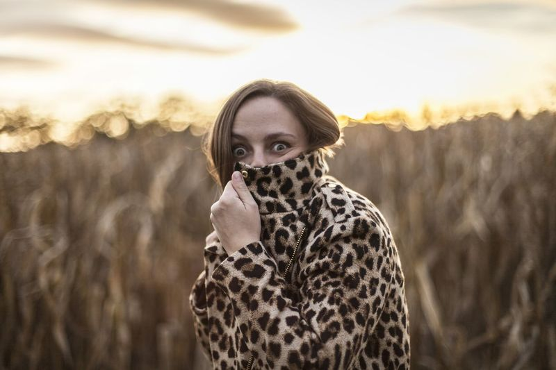 Eyes Looking At Camera Looking Stare Excited Excitement Scared Scared Face Woman Portrait Leopard Print Print Leopard Surprised Young Adult Young Women Warm Clothing Young Women Portrait Beautiful Woman Beauty Standing Looking At Camera Winter Rural Scene Fashion Fur Coat Wavy Hair Natural Beauty Countryside Scarf International Women's Day 2019