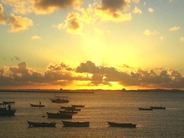 Enjoying The Sun Hi! Hello World Taking Photos Capture The Moment Aroundtheworld Bahia Magic Color Life In Colors Sky And Clouds Beachphotography View From The Window... Sunset Lovers Endlesssummer Amazing View Nature_collection Travel Photography Waves, Ocean, Nature