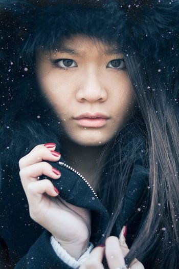 Hello winter First Eyeem Photo www.peopleinparis.fr People Portrait Winter Asian  Girl Closeup LAO Canon Paris