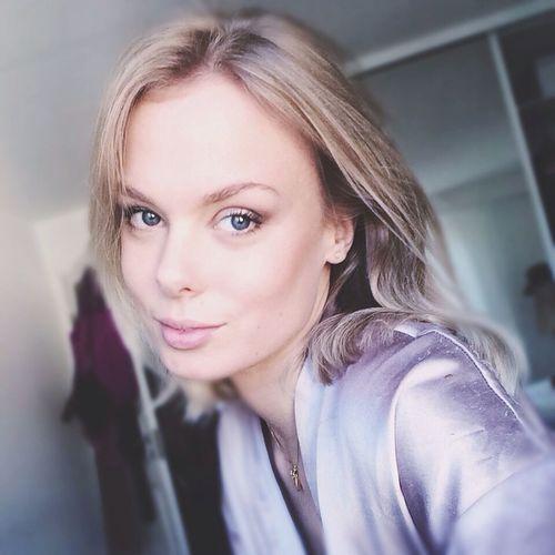 Blonde Girl Girl Blue Eyes Iphoneonly Inspo Sweden Short Hair Makeup Hair Photography
