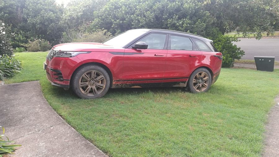 time for a wash Dirty Velar Velar Range Rover P38 Glasshouse Mountains Sunny Day Red & Black Clean Me Washing Time Red Retro Styled Car Grass Sky