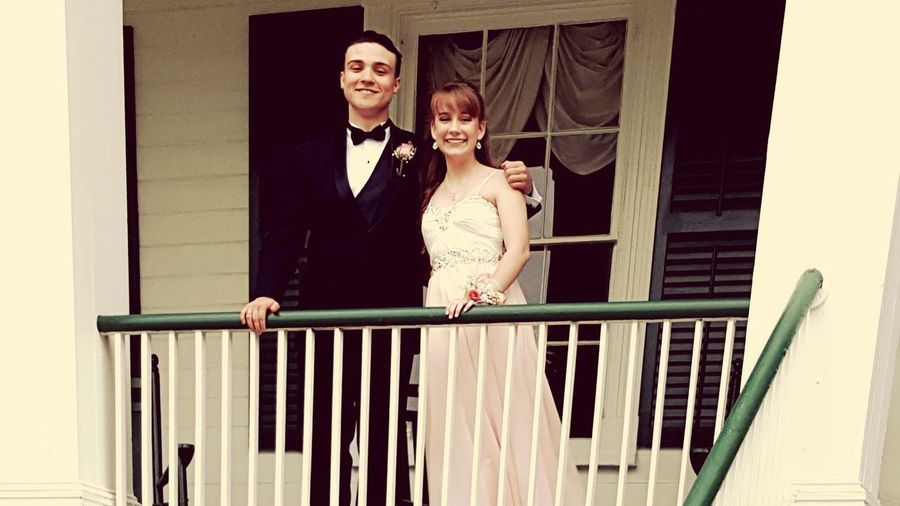 My Wonderful Son With His Girlfriend Saturday Night Before Prom Southern Gentleman Proud Momma Taken At An Old Alabama Plantation This Capture Makes My Heart Full Bc Of The Joy I See In Their Faces