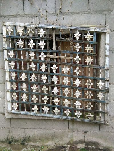 old window has many stories to tell... Grandmas House Window Pane Antique Oldhouselove Vintage❤ Vintage Photography