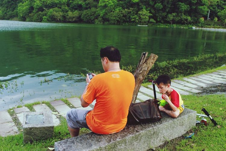 The father love. RePicture Family The Street Photographer - 2014 EyeEm Awards Yilan