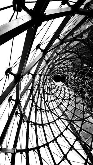 Backgrounds Pattern Built Structure Complexity Low Angle View Steel Girder No People Spiral Ceiling Window Windows Blackandwhite Black&white Lines Design Architecture Building The Week On EyeEm The Week On EyeEm EyeEmNewHere
