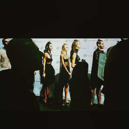 Robados en el backstage. Desfile Francis Montesinos, Mercedes benz Fashion Week Cibeles, Madrid 2015. Modelo Alan Peña Hanging Out Taking Photos That's Me Hello World Enjoying Life NewFace Wow😊 Model Pose Mercedes-Benz Conecting People Top Model