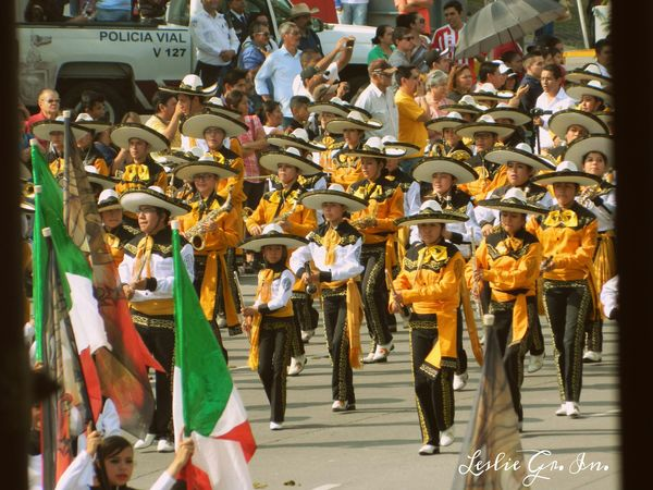 Streetphotography Colors Peoplephotography Mexico Leslie_Gr_In Desfile Streetphotography Bandera Mexico_maravilloso