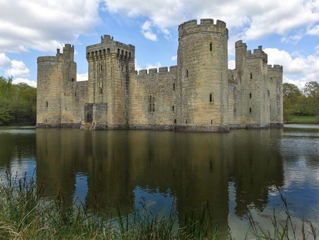 Architecture Cloud - Sky Sky The Past History Castle Built Structure Building Exterior Old Ruin Ancient Architecture Moat Bodiam Castle Bodiam National Trust 🇬🇧 Medieval Castle Water Ruins Moated Castle Moats English History IPhoneography Travel Destinations IPhone Fort