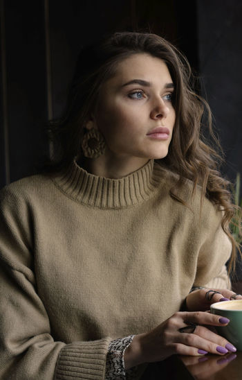 One Person Drink Food And Drink Looking Adult Indoors  Coffee - Drink Coffee Hair Women Drinking Cup Contemplation Holding Young Adult Looking Away Portrait Coffee Cup Hairstyle Beautiful Woman