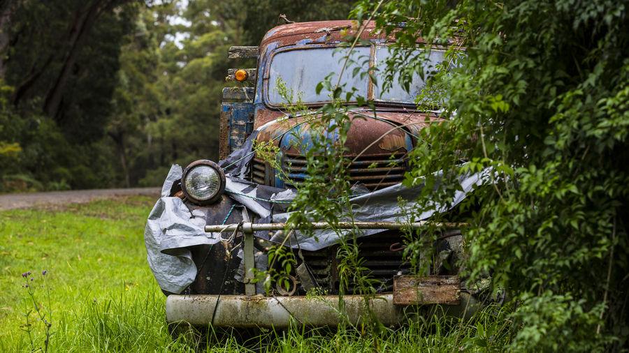 An old car, a