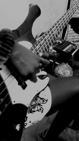 Black And White Blackandwhite Photography 3XSPUnity Guadeloupe Family Moments #le Petit Jardin FWI Music Gwo Ka GwaSound Music Photography  Arts Culture And Entertainment Human Hand Plucking An Instrument Electric Guitar Guitar Playing Skill  Musical Instrument String Musical Equipment