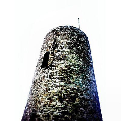 Castell de Sant Joan INSTABLANES Incostabrava Focsblanes Igersgirona
