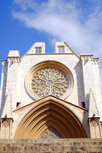Built Structure Architecture Low Angle View Building Exterior Place Of Worship Façade Cloud - Sky Church Tarragona Cathedral Architecture History España SPAIN
