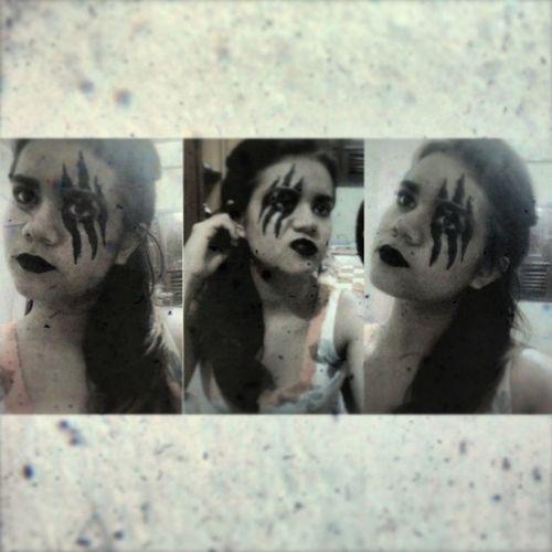 Mais uma para a coleção! ;) Instgirl Instafollow Followmefollowback Makeupartistc faceart garras me photooftheday
