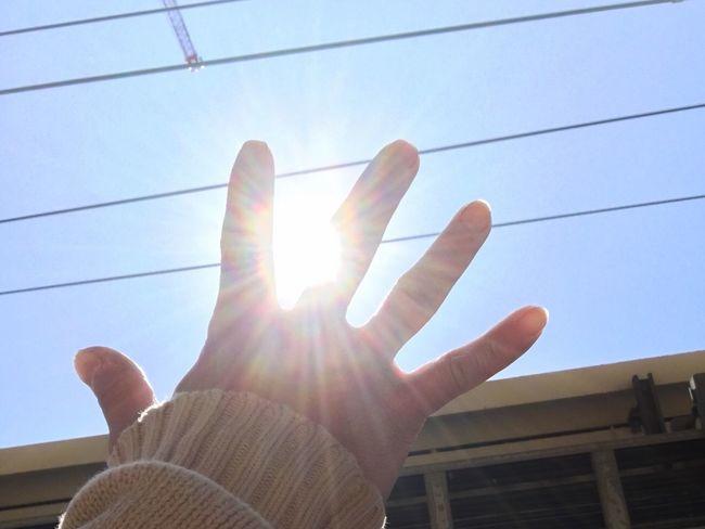 手のひらを太陽に 3.11 Prayforjapan 忘れる事、忘れない事、どちらも大切。だけど、今日という日を自分は忘れないために。