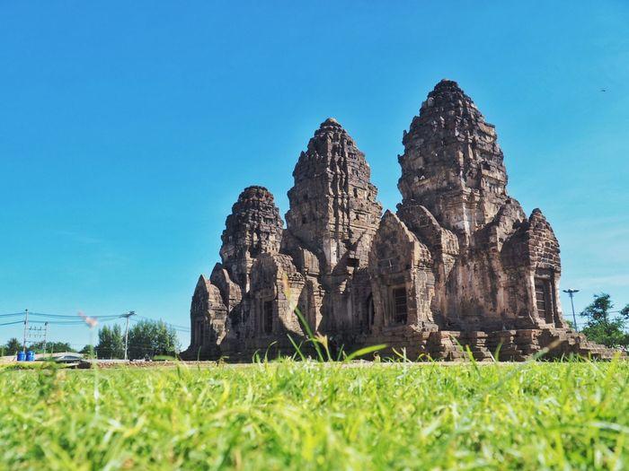 Phra Prang Samyod ,Lopburi Thailand🇹🇭 Lopburi Thailand Phra Prang Samyod Landmark Landscape Olympus Om-d E-m10
