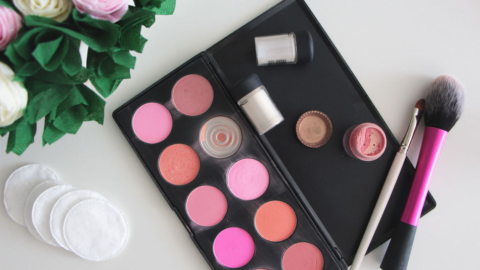 Brush Color Cosmetic Br Cosmetic Pallete Cosmetics Cosmetics & Glamour Cotton Pads Fashion High Angle View Objects Pallete Pallete Of Colors Roses Stylish V Up View White Background White Table