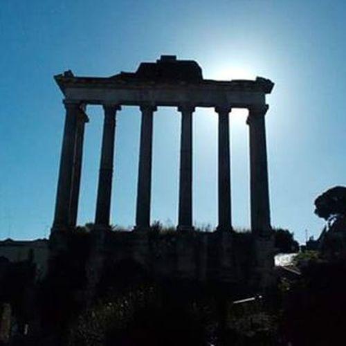 Roma Rome Iloverome  Forumromanum Skyphoto Skyphotos Sky Skylovers Bluesky Kekazeg Sunlight Sunshine Nofilter Nofilterneeded