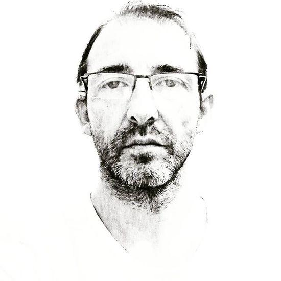 Photo-design, l'autre façon de faire un Selfie Moi 😎 Photographe Portrait Autoportrait Noiretblanc Blackandwhite Dessin