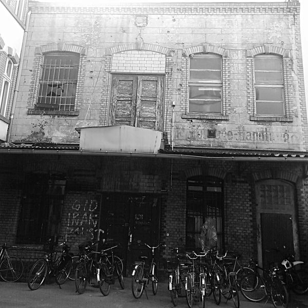 Backyard Vintage Handwerk Ostberlin Bycicle Blackandwhite Nostalgia Urbanphotography Urbanexploration Urban Exploration