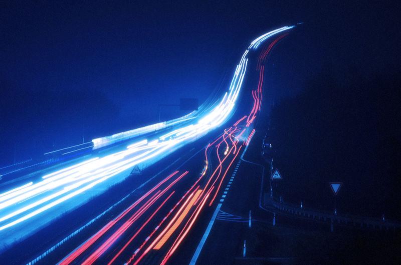 Light Rail auf der Autobahn