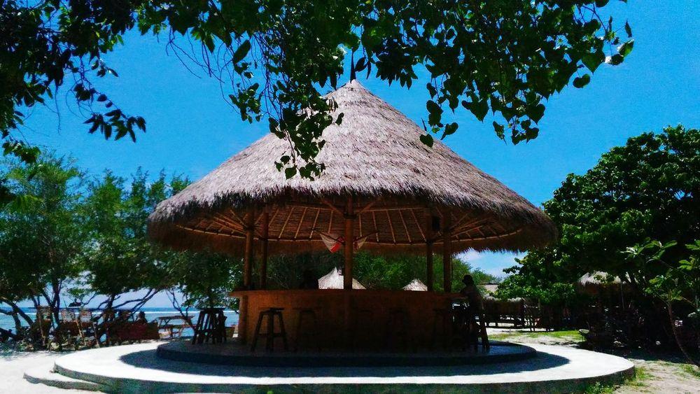 Hidden Paradise Gilitrawangan  Lombok INDONESIA Wonderfulindonesia Pesonaindonesia BeautifulIsland Island Beach Travelphotograpy Travel Traveler Womantraveler Traveling Journey EyemIndonesia Bestphoto Bestpicture Nature Enjoying Life