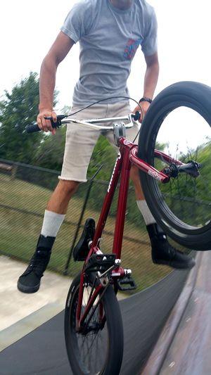 My cousin riding! Riding BMX Outdoors Close-up Day Skatepark Bmxphotography Bmxstyle Bmxrider  Bmxbike Bmxworld BMX Bandit Bmxporn BMXTIME