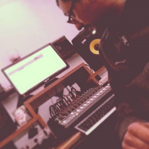 Workshop time. Mixing for 22esimo Quartiere. Sicily Black Roots sound. New album. Mixengineer Soundengineer Mixing Studiorecording Warmsound Ilikeit Reggaevoice Rap Hiphopmusic Dancehall Work Working