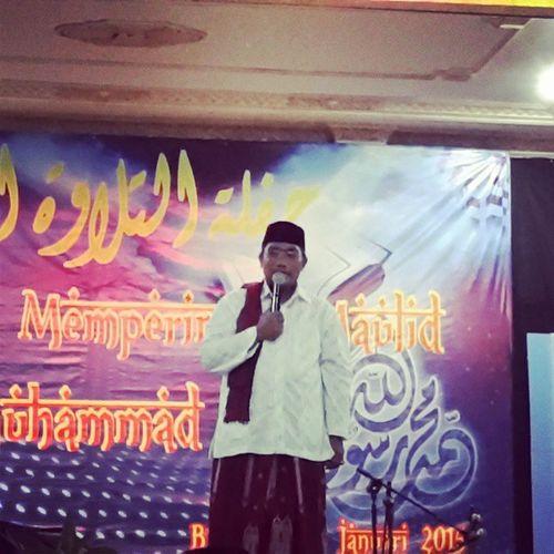 KH. Ahmad Fakhruddin Murodih memberikan tausiyah dalam rangka memperingati maulid Nabi Muhammad SAW di pondok pesantren modern Al Ihsan Baleendah, Kab. Bandung Televisinet Bandung INDONESIA Event Maulidnabi