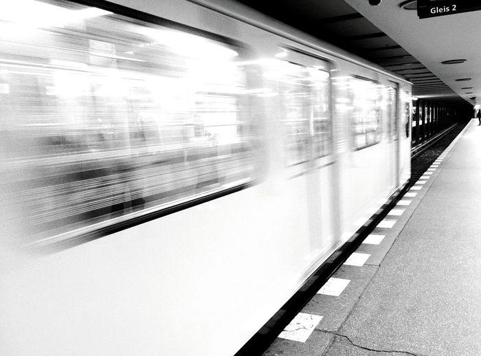 Day 243 - Käse Tag! Berlin Blackandwhite Public Transportation Zoologischergarten Ubahn 365project 365florianmski Day243