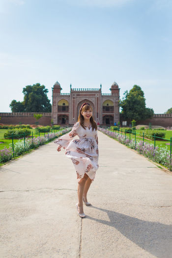 Girl in Tomb of I'timad-ud-Daulah or Baby Taj (Public place) the beautiful architecture in Agra, Uttar Pradesh, India Architecture Day Built Structure Agriculture Architecture Tomb Art Astronomy ASIA India Die Heritage History Landmark Monument Mosque Mogul