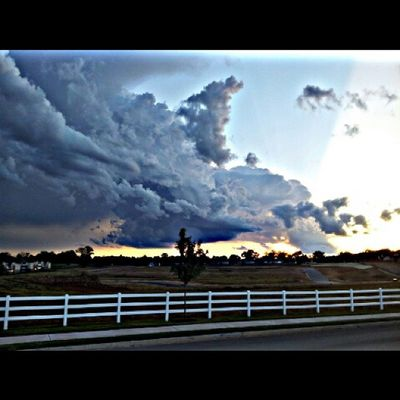 """Had to pull over just to take a picture of these clouds. At the top right where the clouds are blue/white.....""""it was really like that""""!!!!"""
