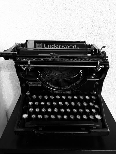 Typewriter Old-fashioned Retro Styled Text Antique The Past Communication