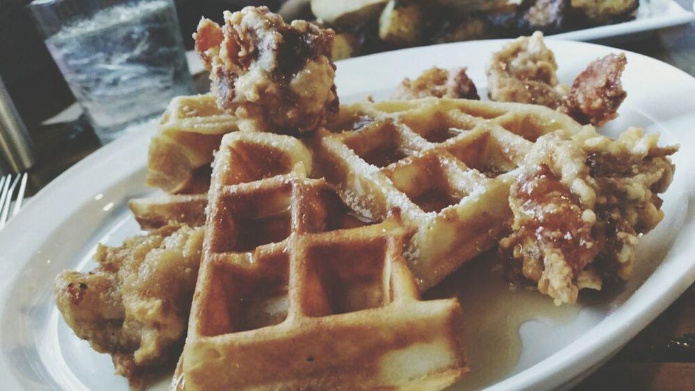 Breakfast Comfortfood Waffles Chicken