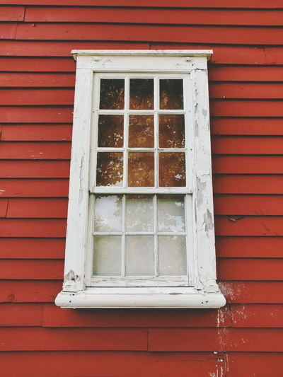 Frame It! Frame Window Reflections Window Paint Decay Paint Splatter Antique Building Antiqued Colonial New England  New England Villages Rhode Island Red Reflection_collection Reflection Photography Rustic Rustic Beauty First Eyeem Photo