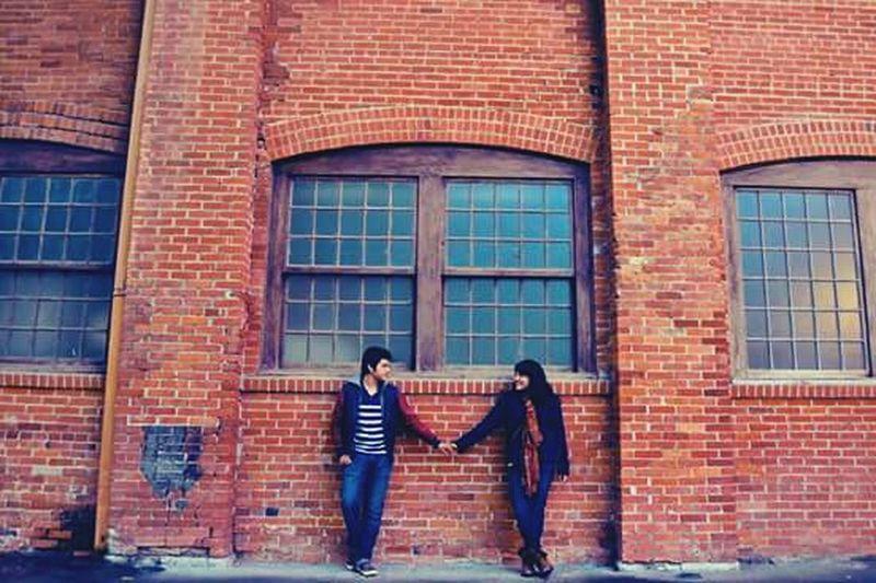 Love Photography Couple EyeEm Construction Brick Wall Nikon Hands Look Lookmyeyes