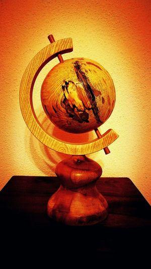 Indoors  Mappamondo Artigianato Legno gira il mondo così come la fortuna..io aspetto..