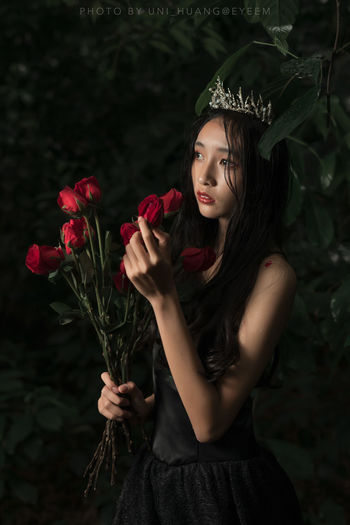 One Person Long Hair Portrait Beautiful Woman Red Lipstick Forest Queen Fashion Model Rosé Crow Wet Rainy