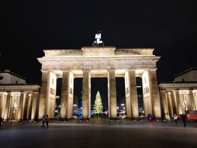 Night Illuminated Architecture Built Structure Sculpture Statue Travel Destinations City Gate City The Past Travel History Building Exterior Tourism Art And Craft Memorial Architectural Column Nature