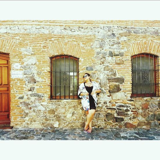 Uruguay Colonial Architecture Colonia Del Sacramento - Uruguay Woman Portrait Antiques Vacationtime Thewall Stone