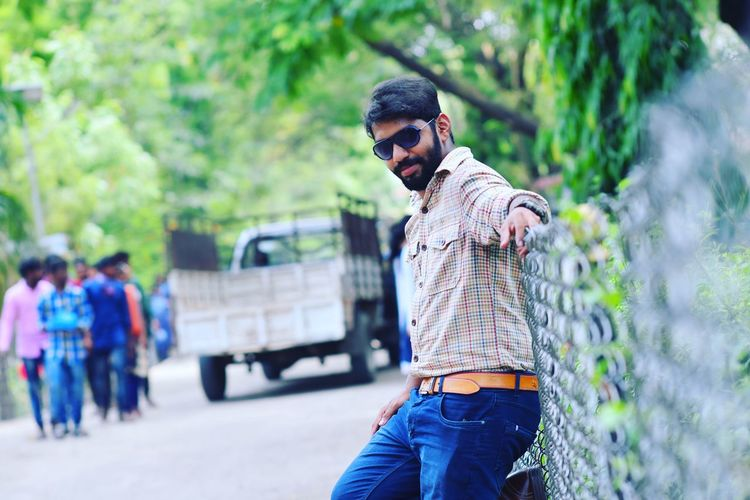 Men Youth Culture Standing Portrait Fashion Young Men Sunglasses Smiling Jeans Beard First Eyeem Photo EyeEmNewHere This Is Strength