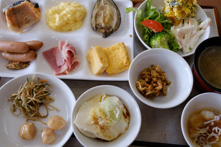 Breakfast Buffet Time FUJIFILM X-T2 Japan Japan Photography Buffet Close-up Food Food And Drink Fujifilm Fujifilm_xseries Healthy Eating Hotel Meat Plate Ready-to-eat Serving Size Variation Vegetable X-t2 ハイキング ビュッフェ 思い出浪漫館 朝ご飯 朝食