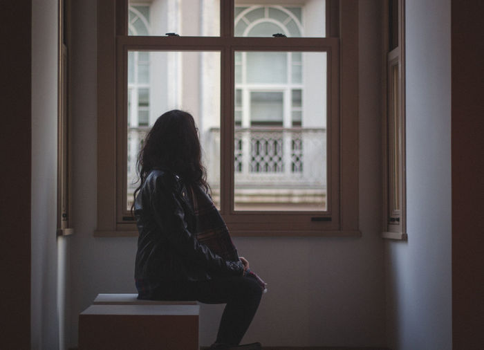 Girl Girlfriend Glass Glass - Material Home Interior Indoors  Istanbul Looking Out Of The Window Museum One Person Pattern Saltbeyoğlu Sitting Transparent VSCO Vscofilm Wall Wall - Building Feature Window