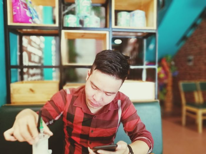 Thử nghiệm Business Finance And Industry One Man Only Only Men Working Small Business Indoors  Adult One Person Adults Only Occupation Owner Workshop Business Men Work Tool People Manual Worker Day Close-up First Eyeem Photo