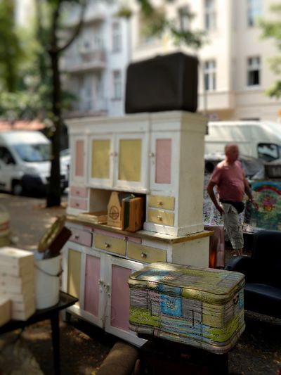 Flea market City City Life Cupboard Day Flea Market Finds Fleamarket Flohmarktfundstück Focus On Foreground Küchenschrank Lifestyles Old Box Old-fashioned Outdoors Pastell Power Selective Focus Vintage Vintage Style