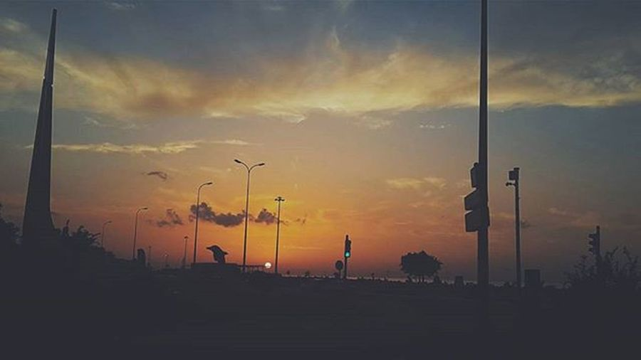 Gotta keep on going, looking straight out on the road Can't worry 'bout what's behind you or what's coming for you further up the road İskenderun Hatay  Antakya Antioch View Nature Sunset Autumn Photography Photographer Clouds Sky Turkey Traveling Seeturkey Travelturkey Tourism Explore Seacoast Insta_tr Vscocam VSCO Samsungnote3