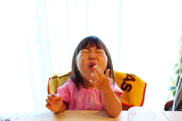 HOT!! Fujifilm XF16mmF1.4 Xpro1 Childhood Children One Person Indoors  Eyes Closed  Women Lifestyles Sitting Furniture