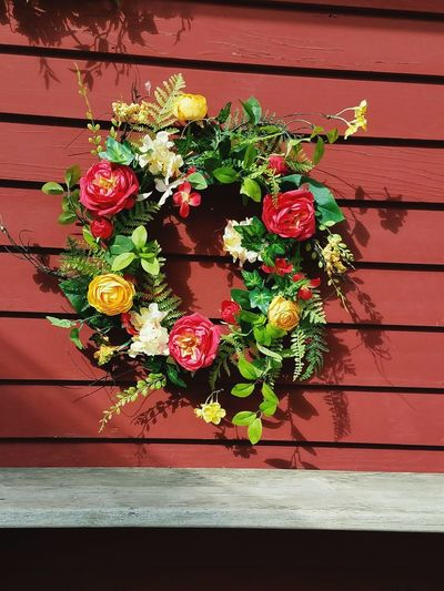 No People Multi Colored Wreath Close-up Outdoors Day Fragility Freshness Bright Colorful Flowers Brights Vibrant Color Front View EyeEmNewHere First Eyeem Photo Eyeemnewhere! Hampton NH wreaths EyeEmNewHere Peace And Tranquility Everywhere Fun Building Exterior Hampton Hampton NH Dried Flowers Silk Flowers Flower Red Brilliantly Illuminated