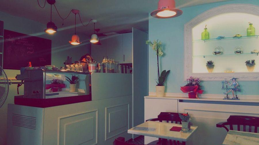 TakeoverContrast Istanbul Beyoğlu Sweetshop Coffeshop Bakery